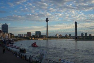 Düsseldorf Torre De Tv Rin Alemania