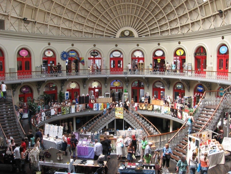Dentro de la Bolsa de Maíz Leeds Reino Unido