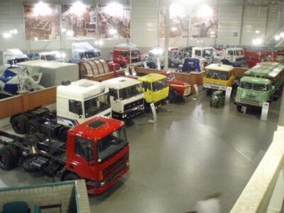 Dentro del Museo DAF Eindhoven Países Bajos