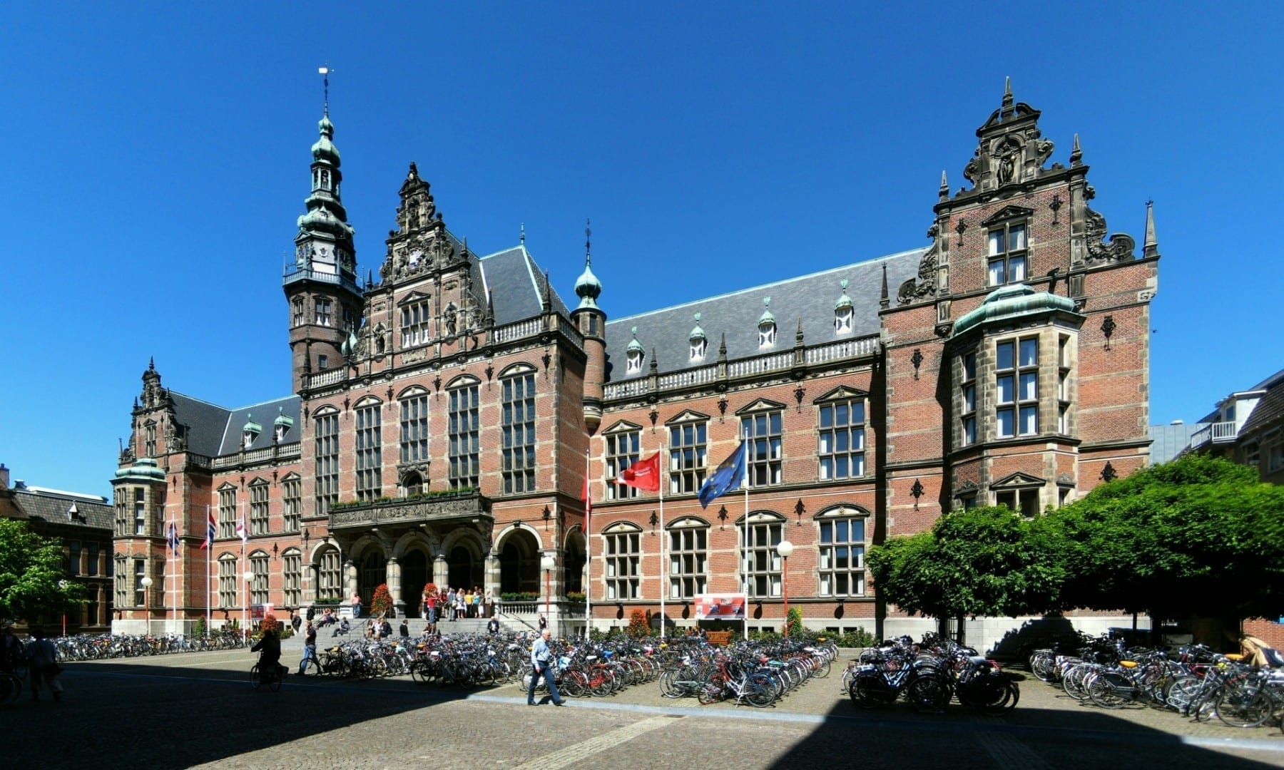 El Academiegebouw es el edificio principal de la Universidad de Groningen, la tercera universidad más grande de los Países Bajos. Groninga Países Bajos
