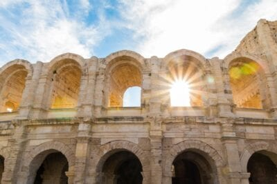 El Anfiteatro De Arles Coliseo Arles Francia
