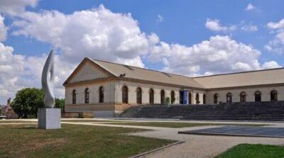 El antiguo Arsenal de Metz, ahora un centro de arte Metz Francia
