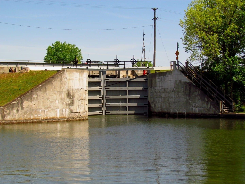 El Canal de Rideau en Kingston Mills Kingston Canadá