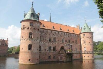 El castillo de Aegeskov Odense Dinamarca