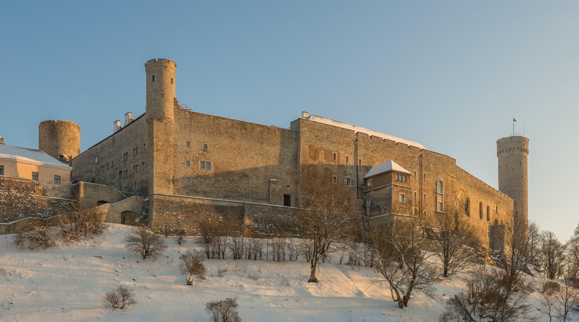 El castillo de Toompea en invierno Tallinn Estonia