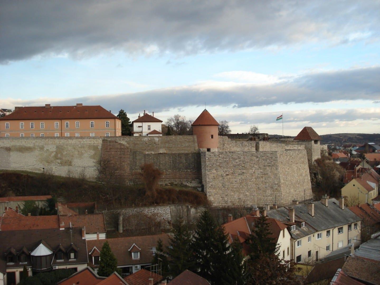 El castillo visto desde el minarete Eger Hungría