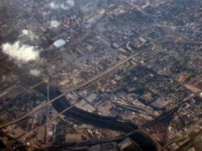 El centro de Indianápolis está cortado por las aguas no navegables del Río Blanco... Indianapolis Estados Unidos