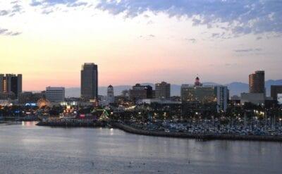 El centro de Long Beach al atardecer, visto desde el Queen Mary Long Beach CA Estados Unidos