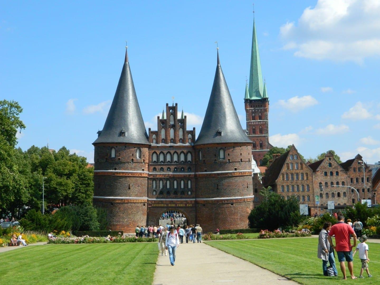 El Holstentor en Lübeck, el símbolo más prominente de la ciudad Lubeca Alemania