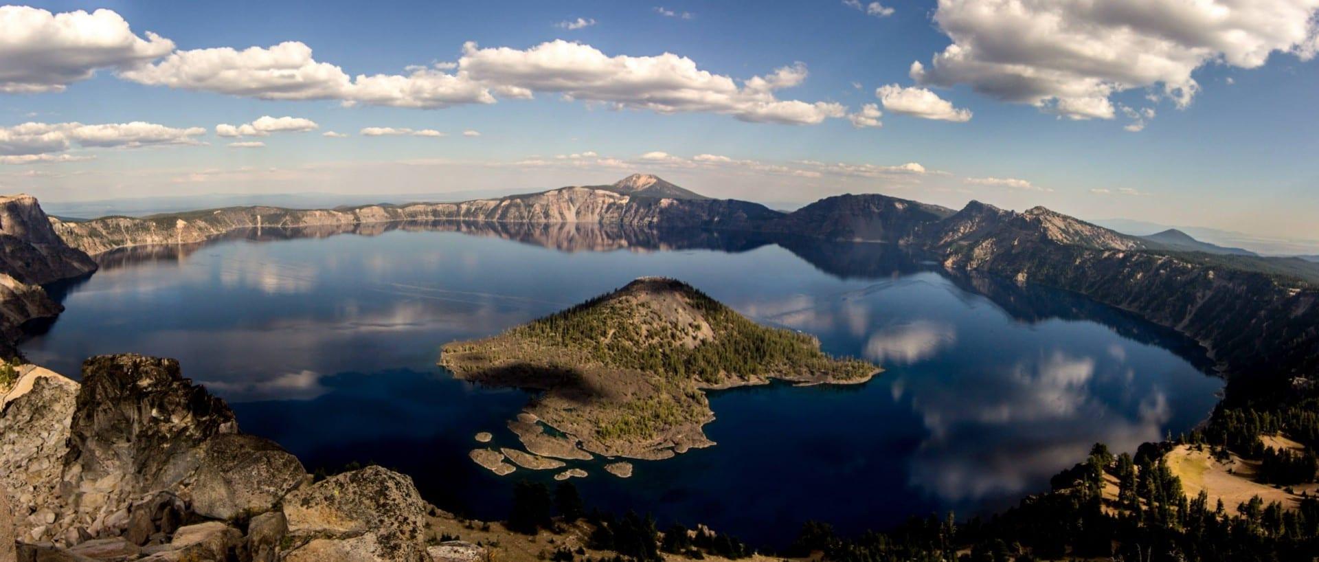 El lago del cráter y la Isla del Mago de Watchman Lookout Crater Lake Parque Nacional, OR Estados Unidos