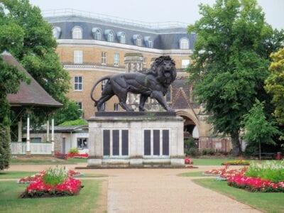 El León de Maiwand en los Jardines de Forbury Reading Reino Unido