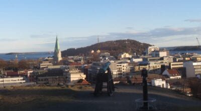 El mirador de Dragonfaces en Baneheia Kristiansand Noruega