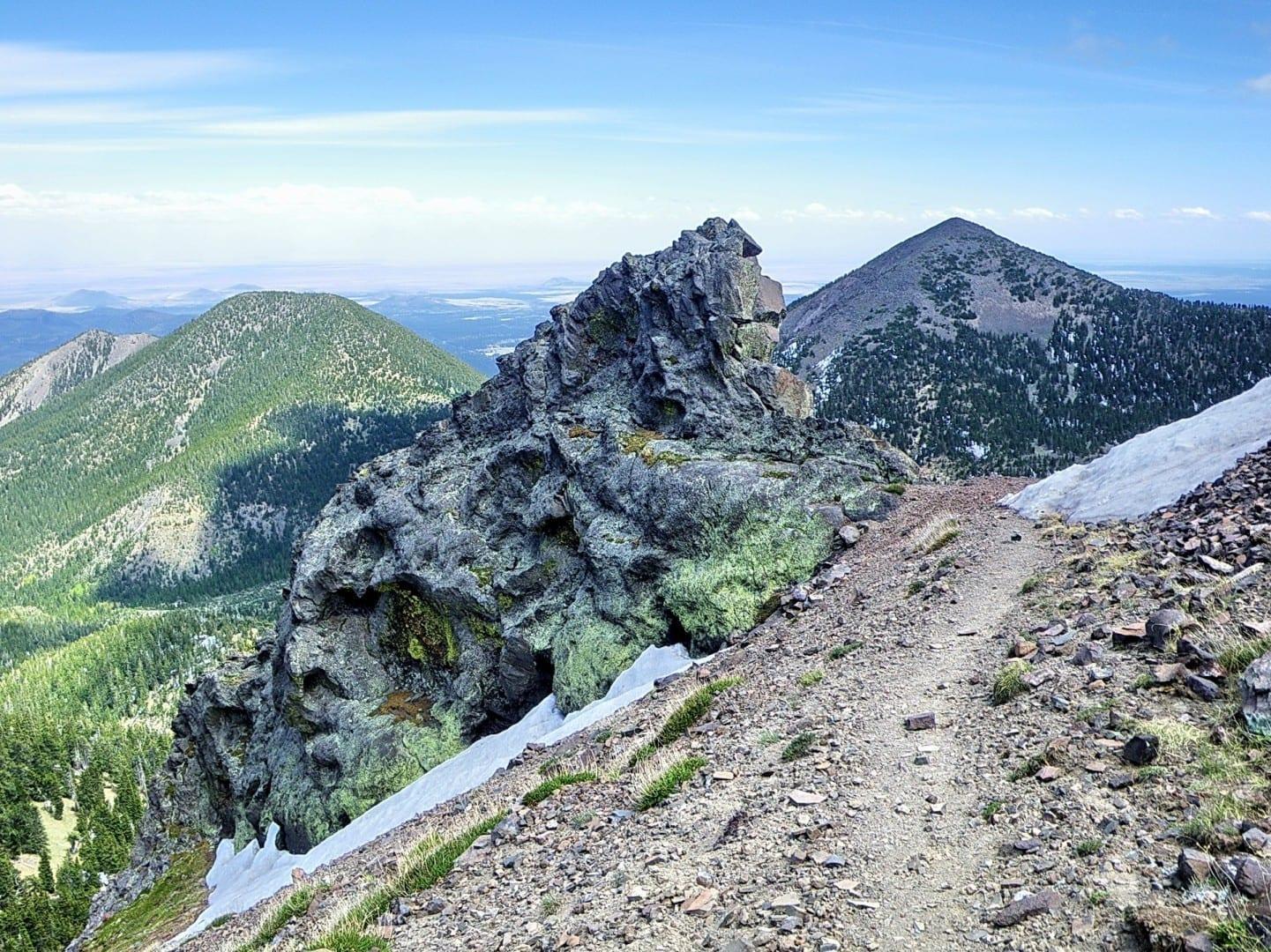 El sendero de la cuenca interior en los Picos de San Francisco Flagstaff AZ Estados Unidos