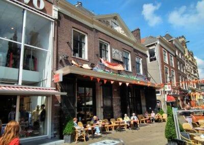 El Waaggebouw es bastante discreto Delft Países Bajos