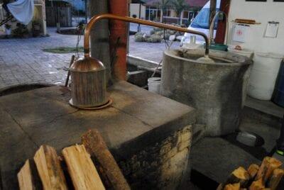 Fábrica de mezcal en Teotitlán del Valle Oaxaca México