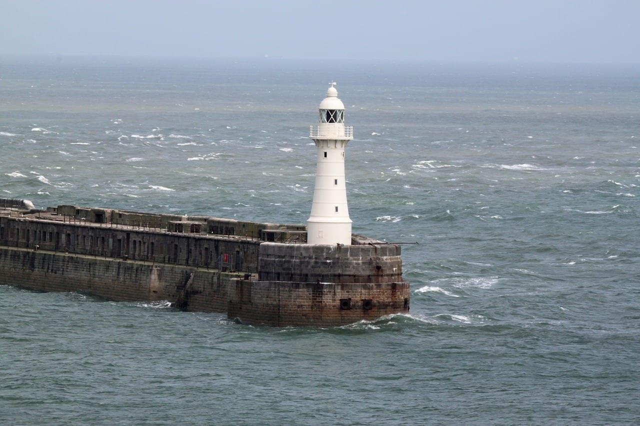 Faro Puerto Dover Reino Unido