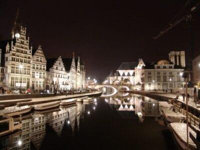 Gante de noche Gante Bélgica