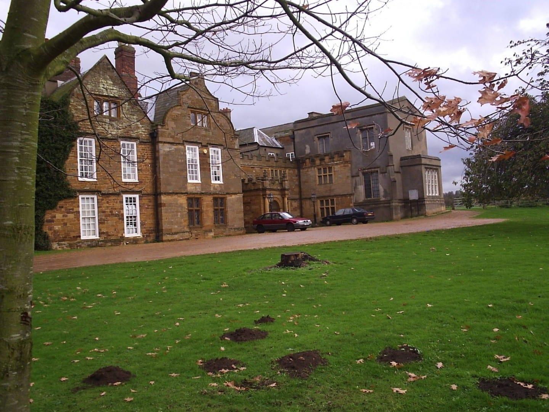 La Abadía de Delapre desde el oeste Northampton Reino Unido