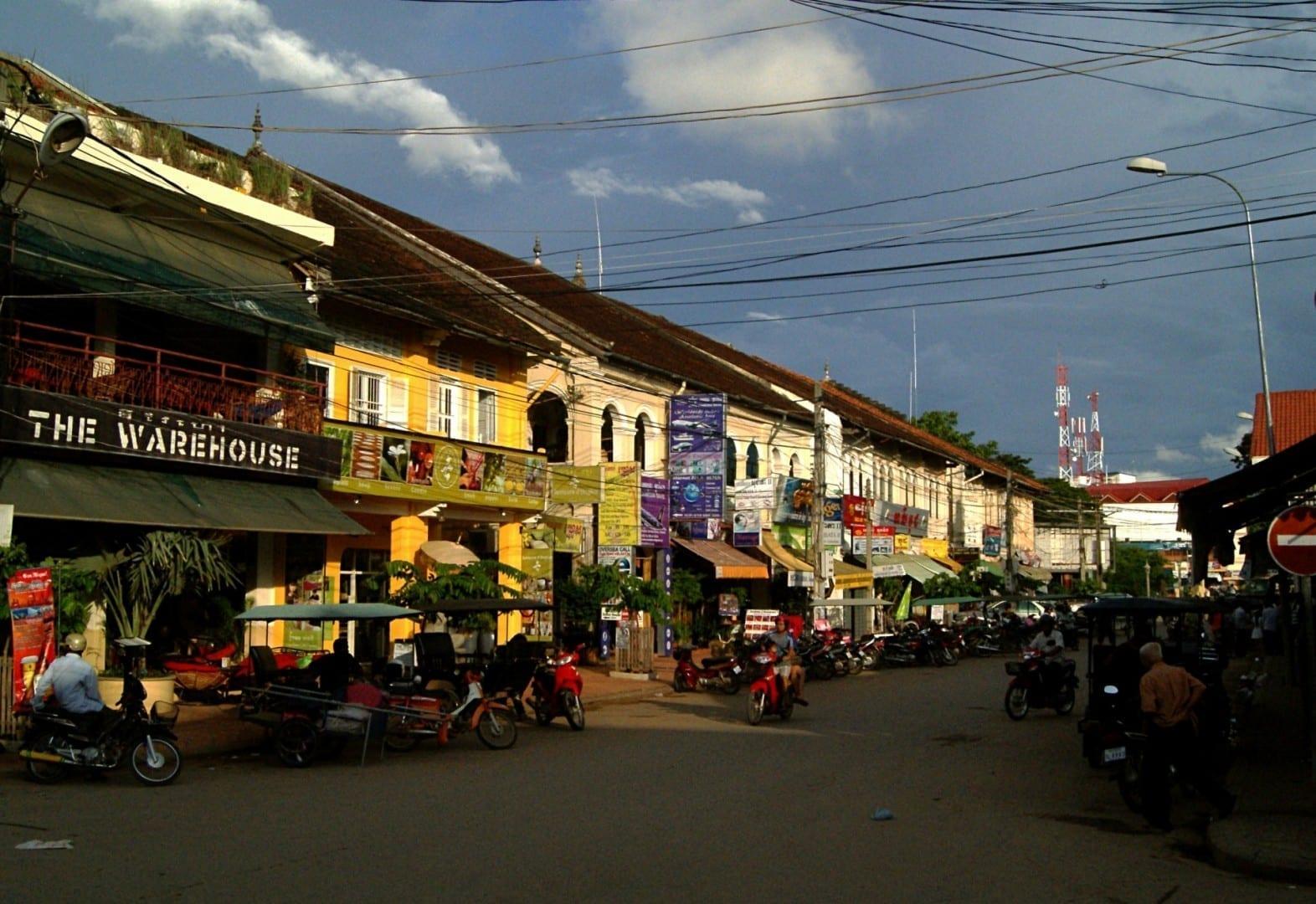 La arquitectura colonial francesa todavía domina el paisaje urbano. Siem Reap Camboya