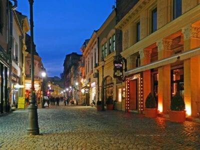 La calle Lipscani, el corazón de la histórica Bucarest Bucarest Rumania