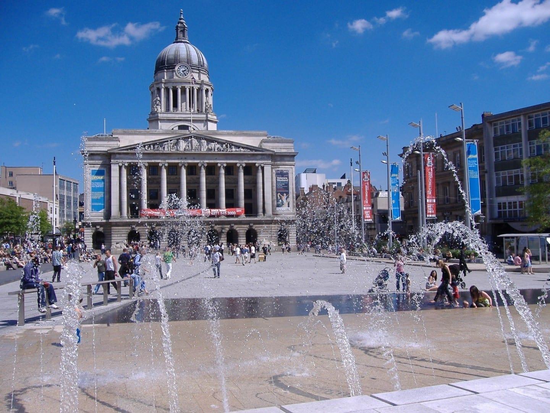 La Casa del Consejo de Nottingham y la Plaza del Mercado Viejo Nottingham Reino Unido