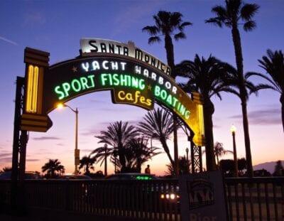 La entrada al muelle de Santa Mónica Santa Mónica CA Estados Unidos