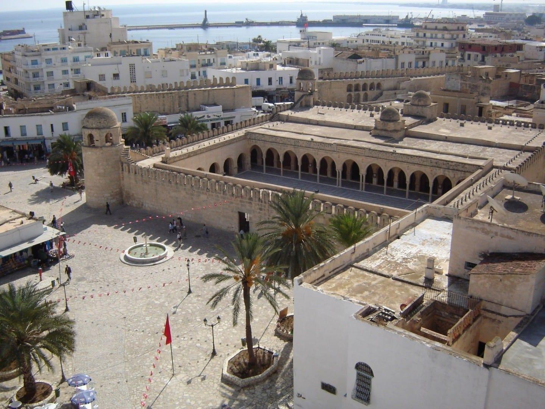 La Gran Mezquita vista desde la torre del Ribat de Sousse. Susa Túnez