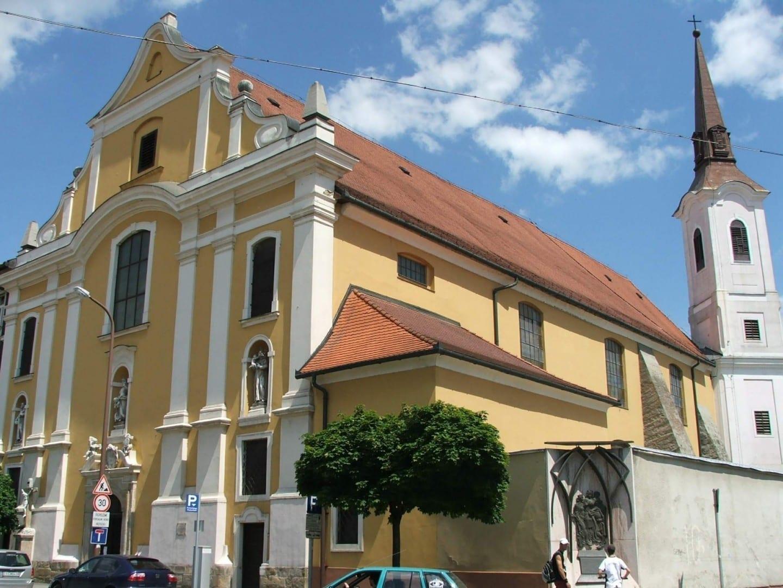 La iglesia franciscana de Santa Ana del centro de la ciudad Esztergom Hungría