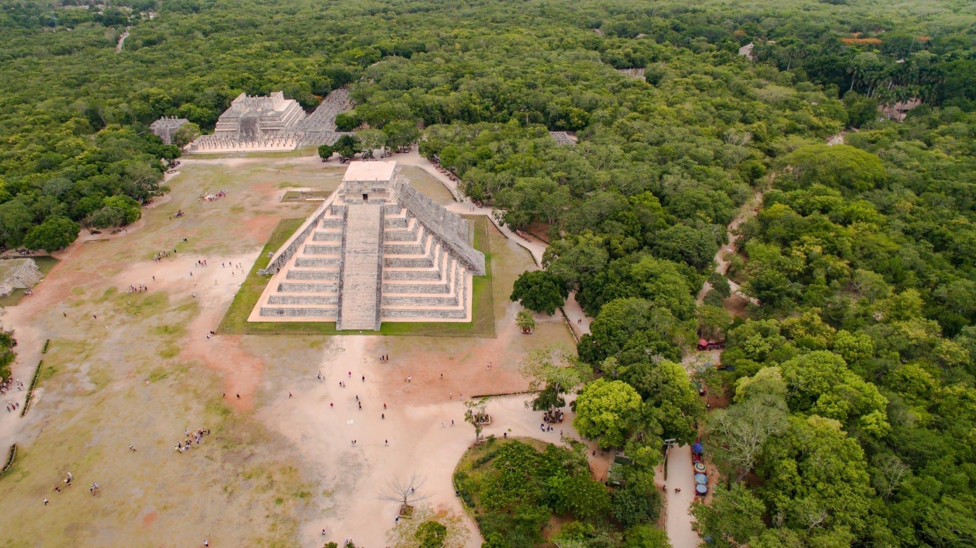 La Pirámide de Kukulcán o El Castillo - Chichen Itza Chichén-Itzá México