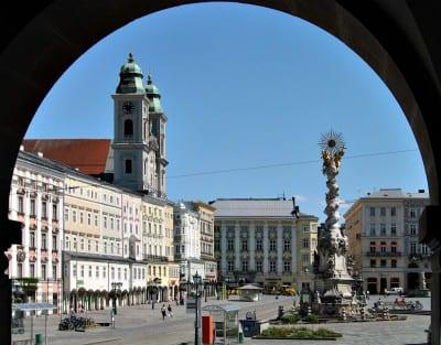 La Plaza Principal con la Columna de la Trinidad Linz Austria