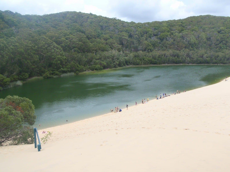 Lago de agua dulce Wobby Fraser Island Australia