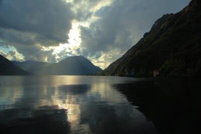 Lago De Lugano Lago Montañas Suiza