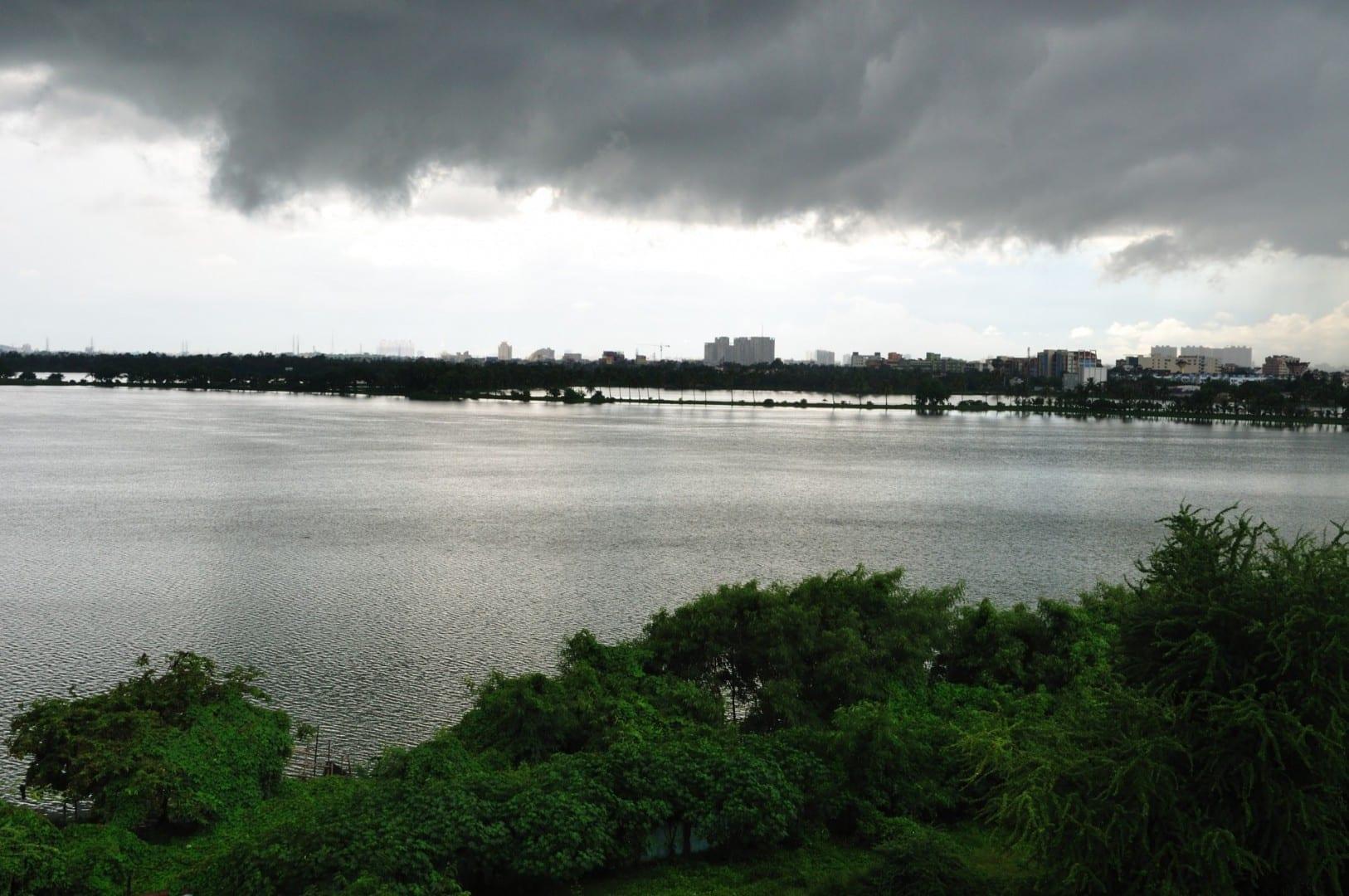Las nubes del monzón sobre Calcuta. Calcuta India