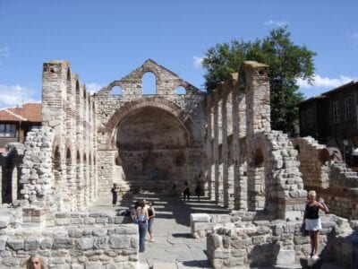 Las ruinas de la iglesia de Santa Sofía Nessebar Bulgaria