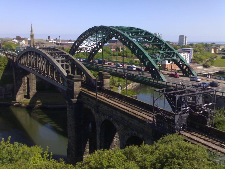 Los puentes en la entrada del centro de la ciudad Sunderland Reino Unido