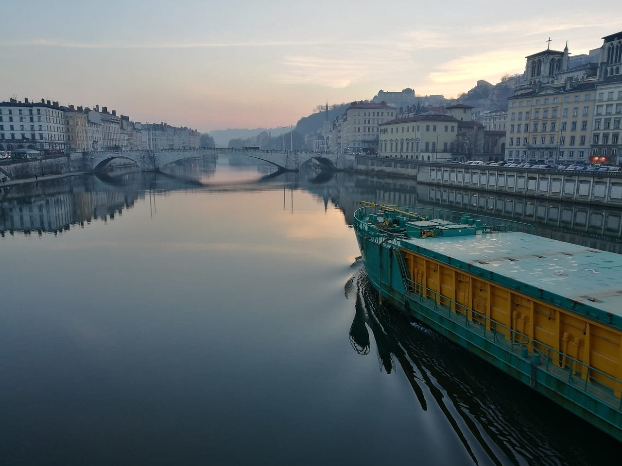 Lyon Francia Barco Francia