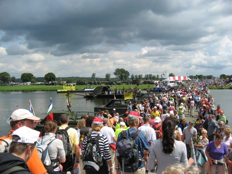 Más de 45.000 personas participaron en las Marchas de Cuatro Días de 2013. Nimega Países Bajos