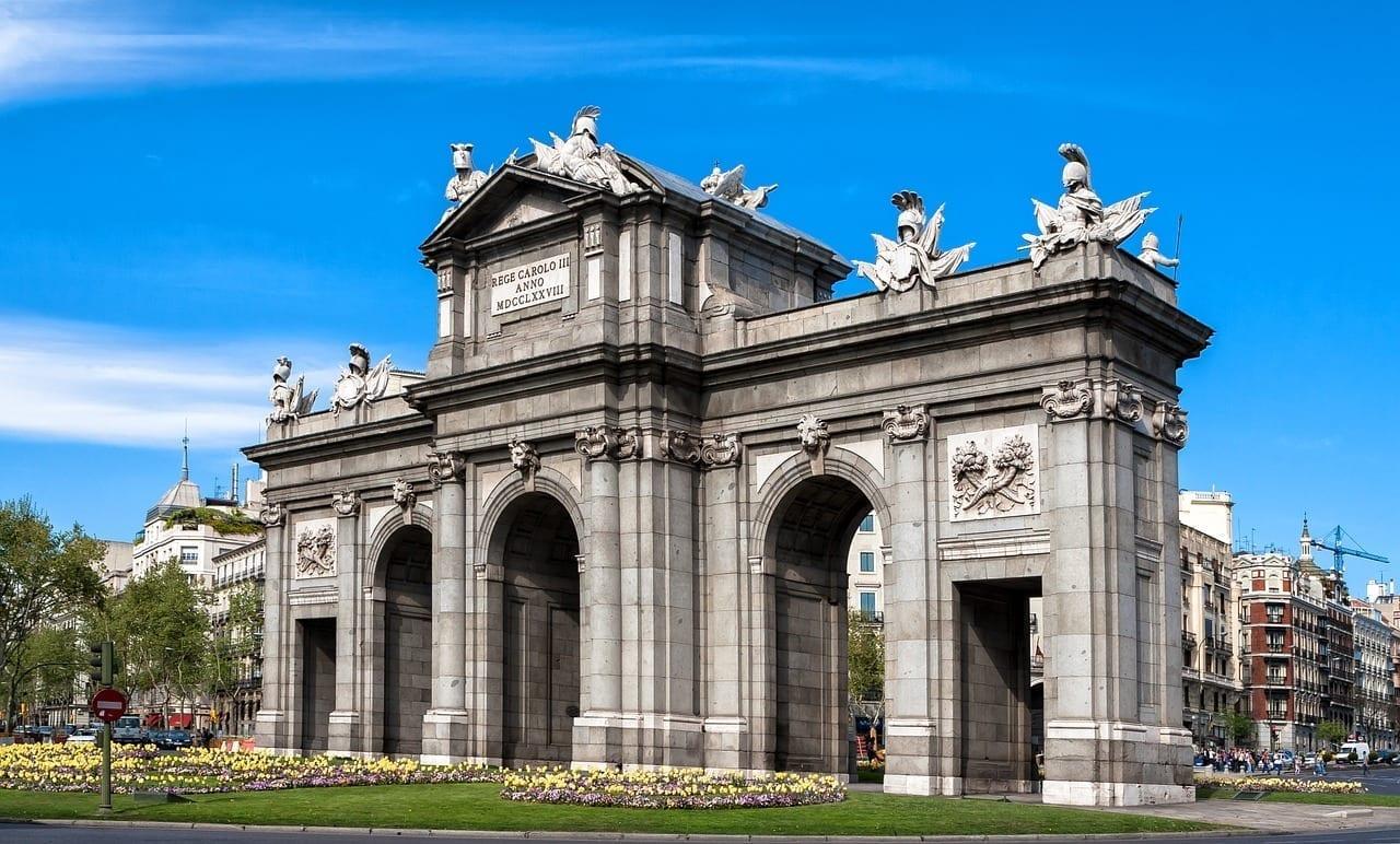 Madrid Monumento Puerta De Alcalá España