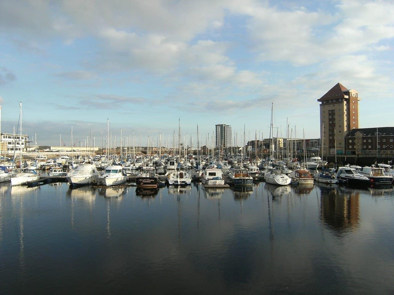 Marina De Swansea El Agua Barcos Reino Unido