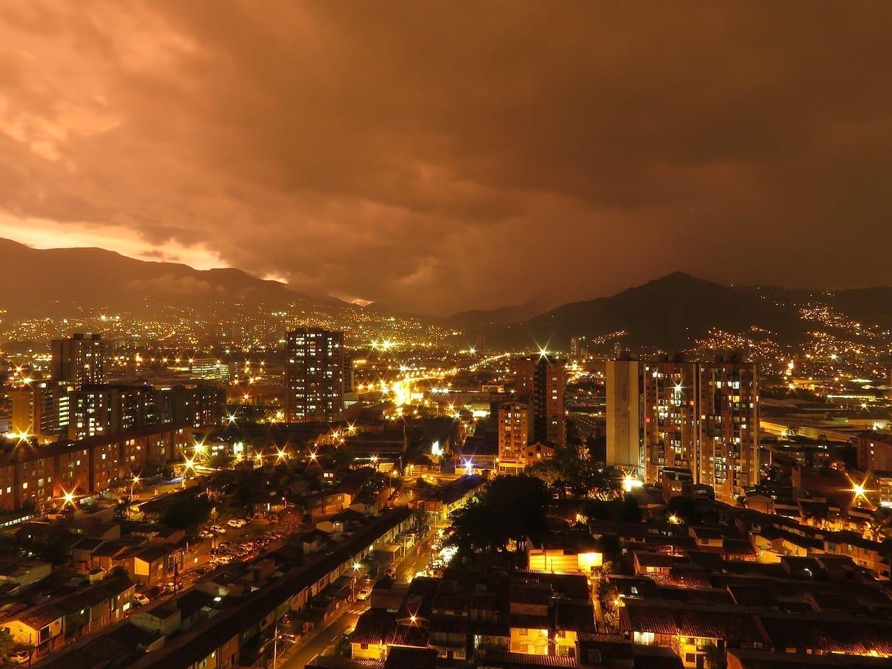 Medellín Ciudad Atardecer Colombia