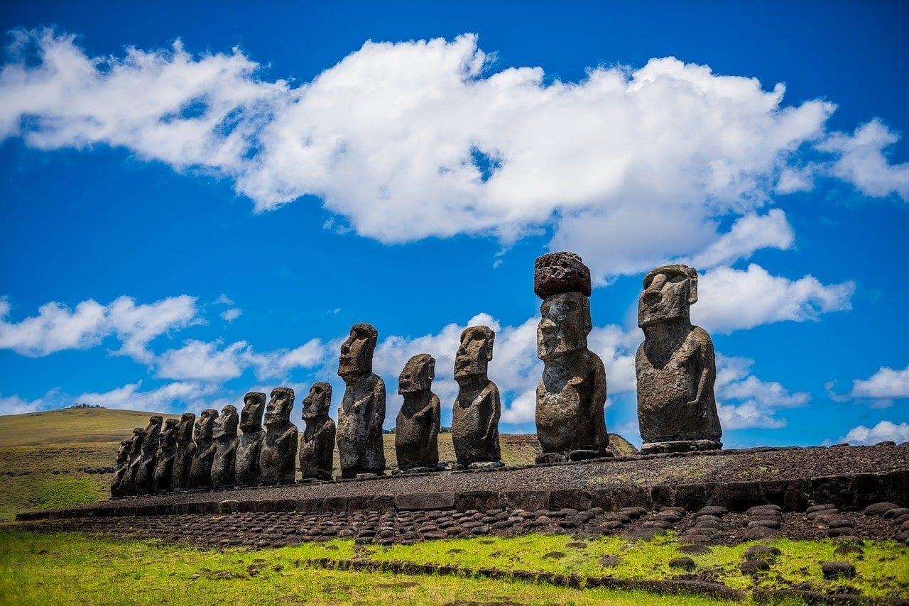 Moai Isla De Pascua Rapa Nui Chile