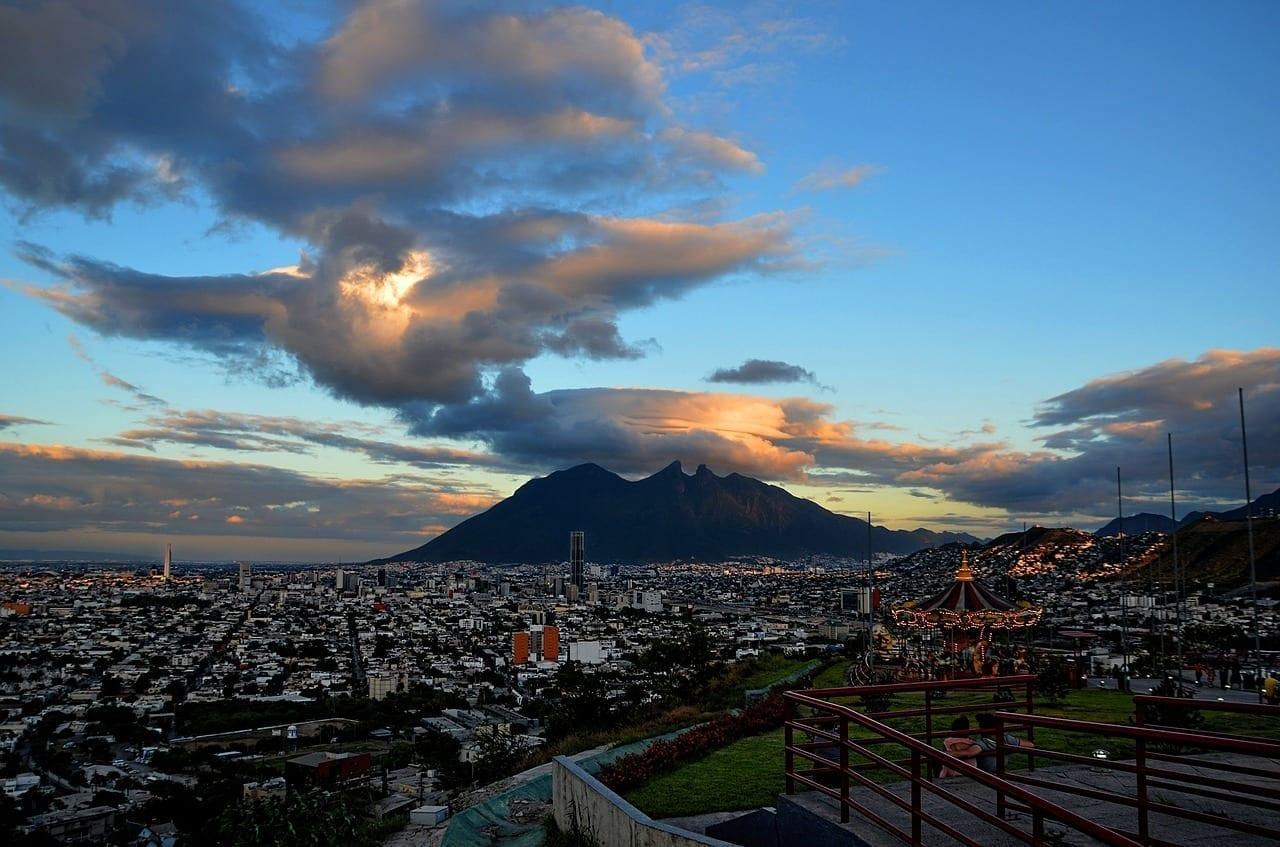 Monterrey Nube Cerro México