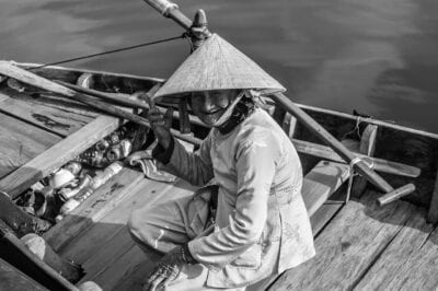 Mujer Hoi An Barco Vietnam