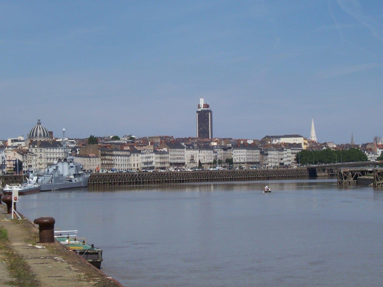 Nantes vista desde el Quai de la Fosse Nantes Francia