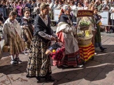 Ofrenda de frutas en El Pilar. Zaragoza España