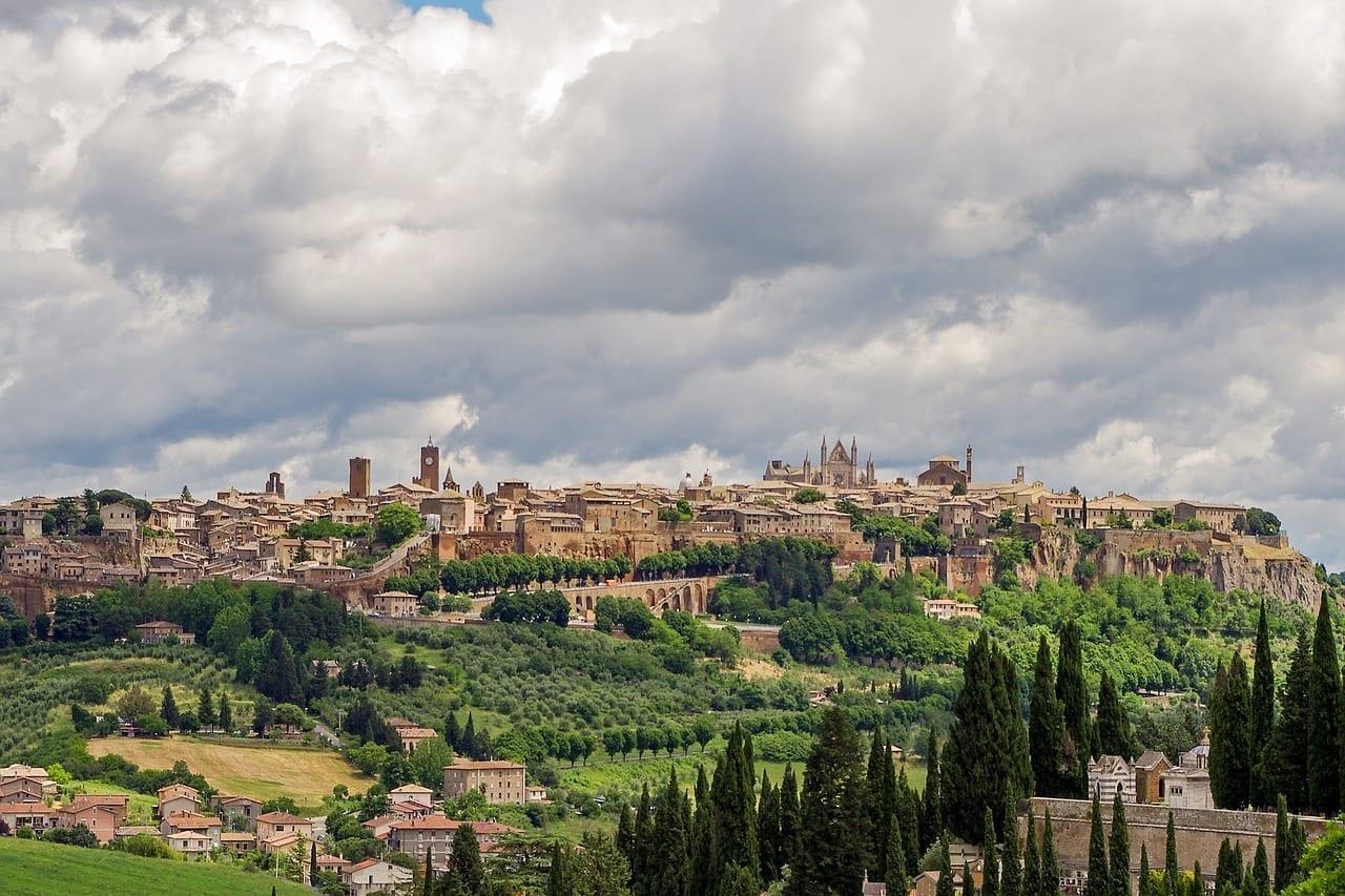 Orvieto La Ciudad Medieval Umbría Italia