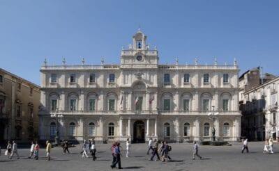 Palacio de la Universidad Catania, Sicilia Italia