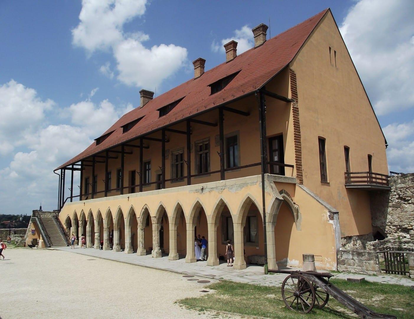 Palacio Gótico en el Castillo de Eger Eger Hungría
