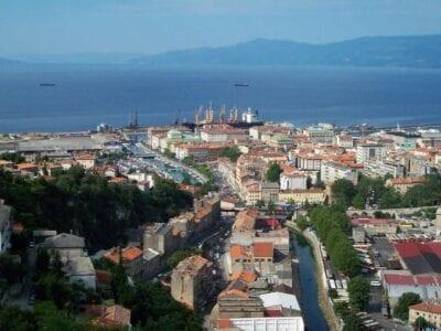 Panorama de Rijeka con el río Rječina Rijeka Croacia