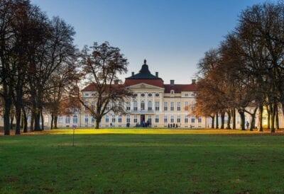 Parque El Palacio Poznan Polonia